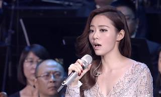 הזמרת המדהימה הזו מצליחה לשיר יצירה שאף אדם לא מסוגל לבצע!