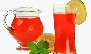 המיץ הממריץ - 10 קוקטיילים לטיפול טבעי!