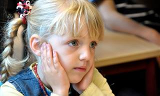 התמודדות נכונה עם 7 הפחדים הנפוצים של ילדים לפני החזרה ללימודים