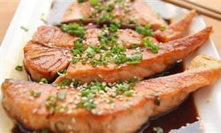 7 יתרונות בריאותיים מפתיעים של דג הסלמון ו-3 מתכונים פשוטים וטעימים