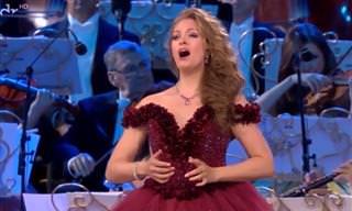 אנדרה ריו מארח זמרת אופרה מדהימה ומבטיחה!