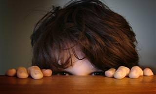 10 דרכים לעזור לילדיכם להתגבר על הפחדים