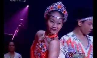 אקרובטים סינים במופע לוליינות עוצר נשימה!
