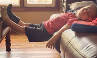 16 ילדים עייפים שנרדמו בתנוחות מצחיקות במיוחד