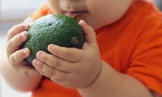 10 מזונות שכדאי להכיר לתינוק בשנה הראשונה לחייו