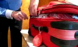 הקלות המדהימה שניתן לפתוח מזוודה עם ריץ'-רץ'!!