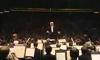 כשדני קיי ניצח על הפילהרמונית של ניו יורק...