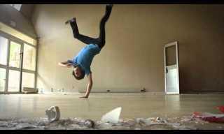 ריקוד מדהים שזור בתנוחות יוגה