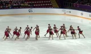 מופע יפיפייה של נבחרת רוסיה בהחלקה קבוצתית