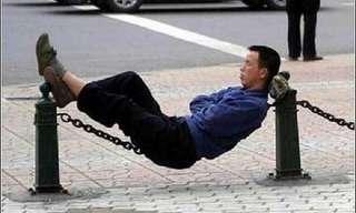 אנשים נרדמים במקומות מוזרים - מצחיק!