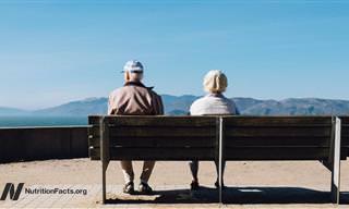 מה הקשר בין אריכות ימים ובריאות טובה לבין הגבלת צריכת קלוריות יומית?