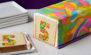 עוגת יום הולדת עם הפתעה צבעונית