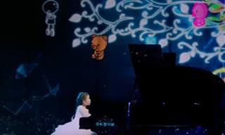 הילדה הקטנה הזו מנגנת על פסנתר עם כישרון שישאיר אתכם בהלם...