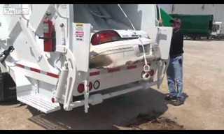 משאית זבל מרסקת מכונית - מדהים!