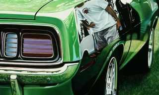 ציור היפר ריאליסטי של מכוניות קלאסיות