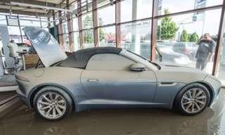 עברו שטיפה - מכוניות אחרי הצפות בגרמניה