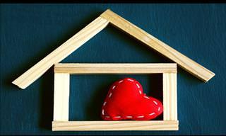 """""""הבית הוא היכן שהלב נמצא"""" - מצגת עם תרגום שירו האהוב והמרגש של מלך הרוקנרול"""