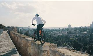 ישראל היא מגרש המשחקים שלי: סרטון אקסטרים כחול לבן מדהים