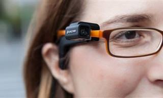 """טכנולוגיית אורקם שעוזרת לאנשים לקויי ראייה """"לראות"""""""