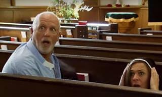 מתיחה בכנסיה - מה עושים הכומר והנזירות כשאף אחד לא בסביבה?