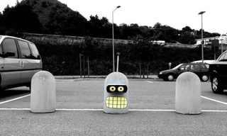 אמן רחוב צרפתי מקשט את עיר הולדתו!