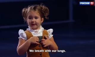 בלה דביאטקינה – הילדה בת ה-4 שמדברת 7 שפות שונות