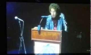 נאום פגישת המחזור של אסי כהן בתפקיד שאולי