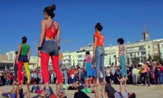 מופע אקרובטיקה איכותי וצבעוני ברחובות תל אביב