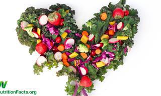 המדענים קבעו: אלו הם הרגלי התזונה שישפרו את חיי האהבה שלכם