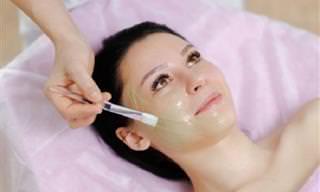 כך תוכלו להכין 7 מסכות פנים טבעיות לטיפול בעורכם