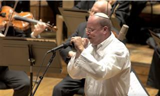 """תפילת """"אבינו מלכנו"""" בביצוע אמן שופר ותזמורת נגנים"""