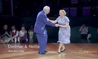 מופע ריקודי סווינג נהדר של זוג מבוגר ומלא בשמחת חיים