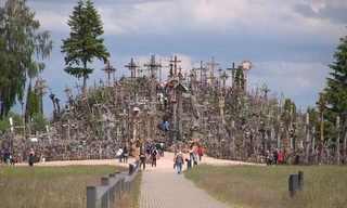 עליה לרגל - גבעת הצלבים בצפון ליטא