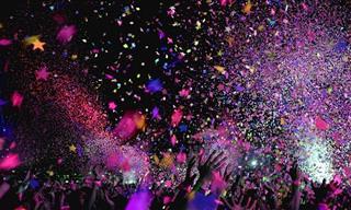 24 שירים שמושלמים למסיבה ביתית עם כל המשפחה