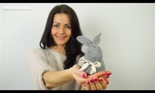 מדריך מצולם להכנת בובת ארנב חמודה מגרב
