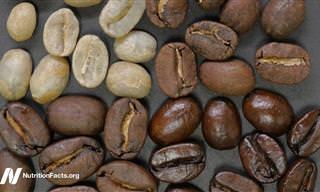 """מעדיפים קלייה בהירה או כהה של פולי הקפה? ד""""ר גרגר מסביר על ההבדל"""