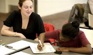 האם שיעורי בית באמת מסייעים ללמידה של ילדינו?