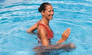 6 תרגילים לחיזוק וחיטוב הגוף בבריכה
