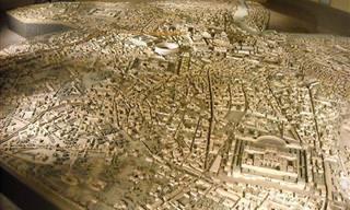 סדרת תמונות של המודל המרשים שמציג את תור הזהב של העיר רומא