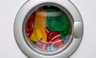 14 טיפים מפתיעים לכביסה שאתם חייבים להכיר