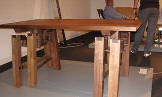 השולחן שהולך על הרגליים - הקץ לחריקות!