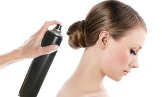 12 שימושים מפתיעים ויעילים לספריי לשיער
