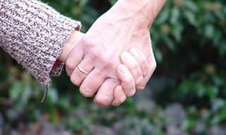 מה אומרת צורת אחיזת הידיים על הזוגיות שלכם?