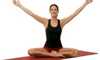 5 תרגילי יוגה שירחיקו מכם את העייפות וימלאו אתכם במרץ