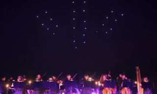 ריקוד של 100 רחפנים לצלילי הסימפוניה החמישית של בטהובן
