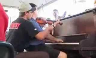 יד פה ויד שם - דואט נפלא על פסנתר וכינור