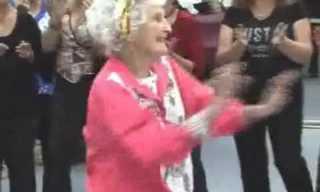 בת 97 ועדיין רוקדת - לא להאמין!!