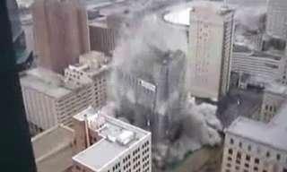 הפלת בניין בעזרת חומרי נפץ