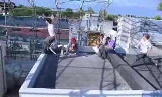 הולכים על קירות - פארקור מטורף!!