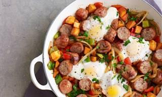 מתכון לביצים אפויות עם נקניקיות ותפוחי אדמה